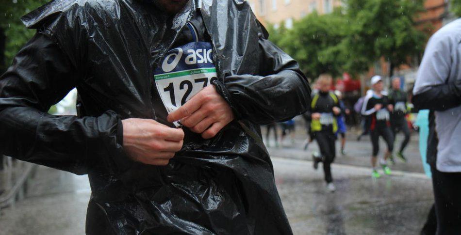 Bildspel från blöta Stockholm Marathon