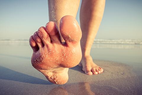 Blånaglar och skavsår – så tar du hand om dina löparfötter!