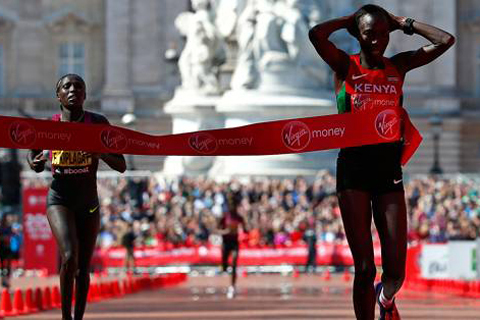 The fantastic four gör upp om medaljerna i damernas London Marathon