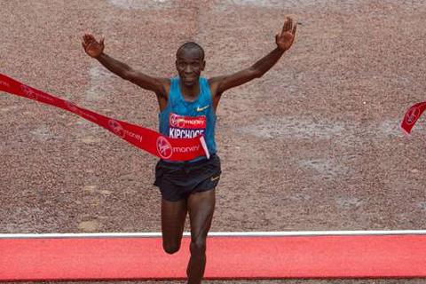 Kipchoge och Tufa snabbast i London Marathons starka startfält