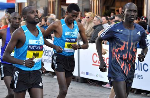 """""""Göteborgsvinst"""" i stjärnspäckade Olomouc Half Marathon"""
