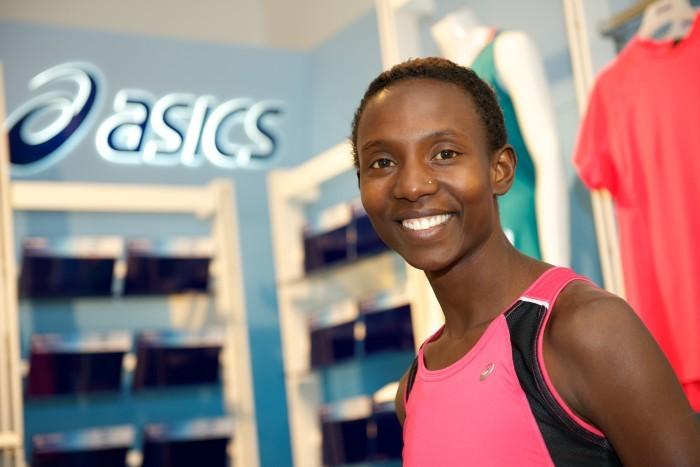 Isabellah provar ny distans – springer Ultravasan i augusti