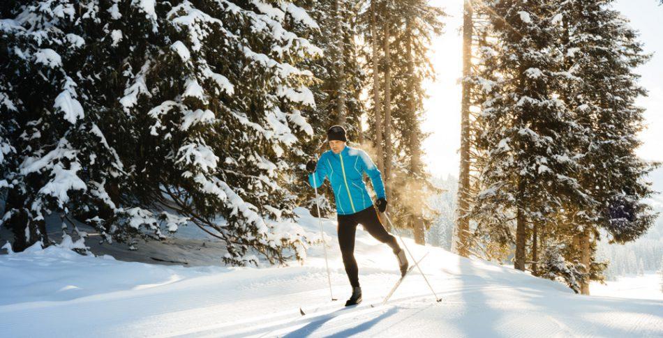 Bli en bättre löpare med skidåkning och vattenträning – här är passen att testa!