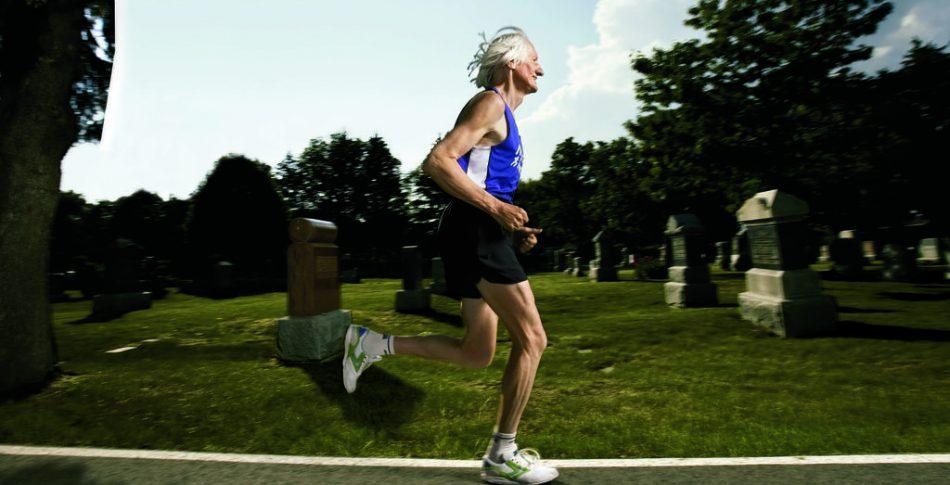 Löparlegenden Ed Whitlock död  – enda 70–åringen som gjort sub 3 timmar på marathon!