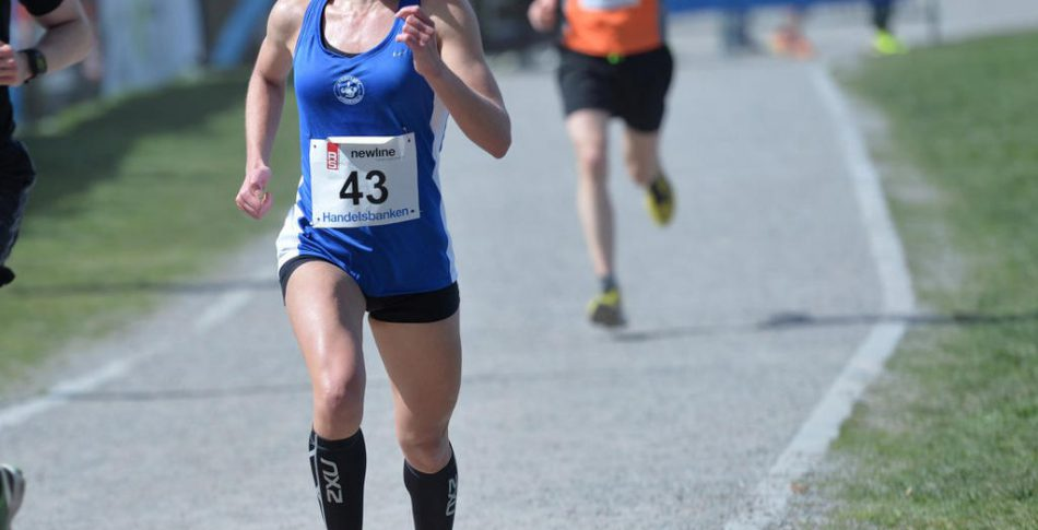 Mikaela utmanar om topplacering på maran