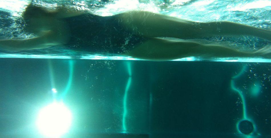 Laddar för klubbmästerskap i simning