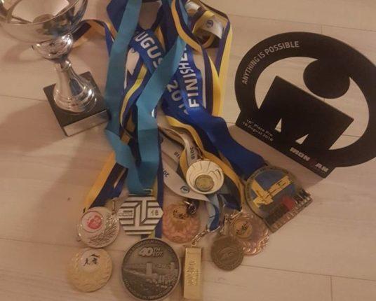 """Det skulle inte bli så många tävlingar men när jag rensar undan """"årets skörd"""" av medaljer inser jag att jag nog tävlat en del ändå:)."""