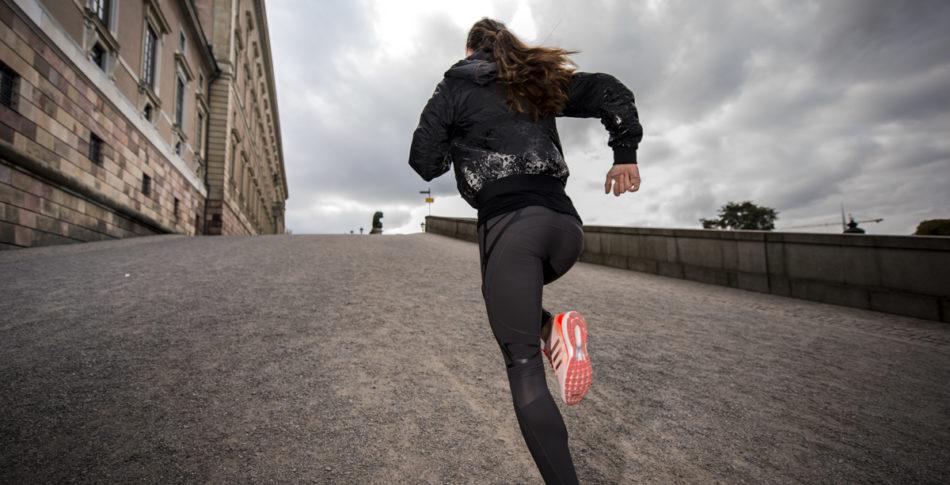 Hur springer man i backar på bästa sätt?