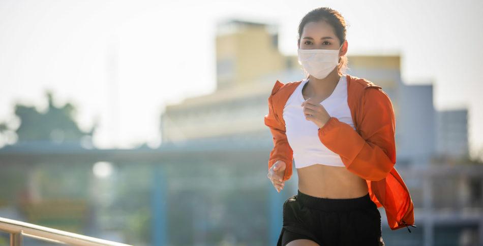 Ny forskning visar att löpare måste hålla mer än två meters avstånd