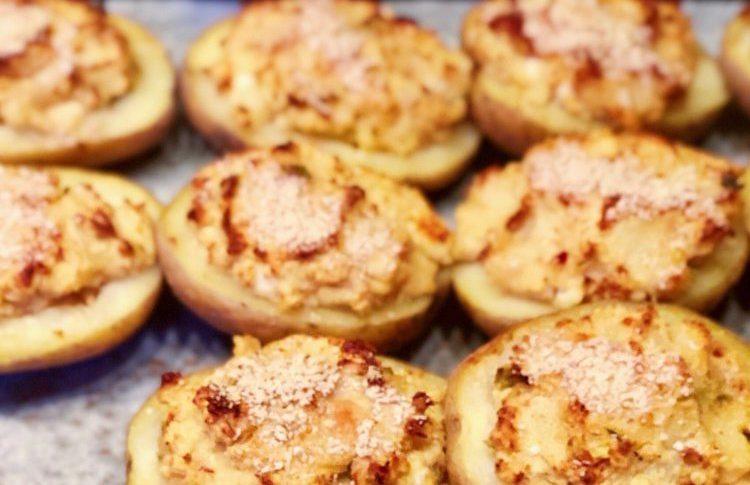 Rostad potatis med paprikahummus och parmesan